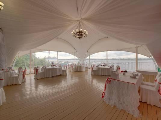 Отель яхт-клуба «Новый Берег»