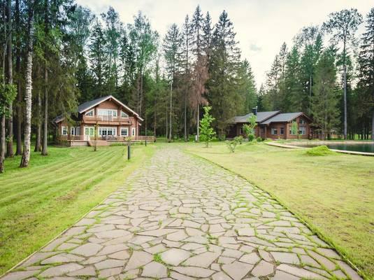 Эко-отель «Изумрудный лес»
